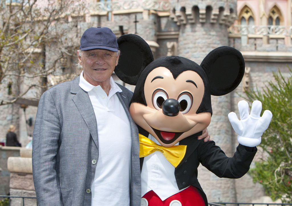 Anthony-Hopkins-shared-photo-op-Mickey-Mouse-Disneyland