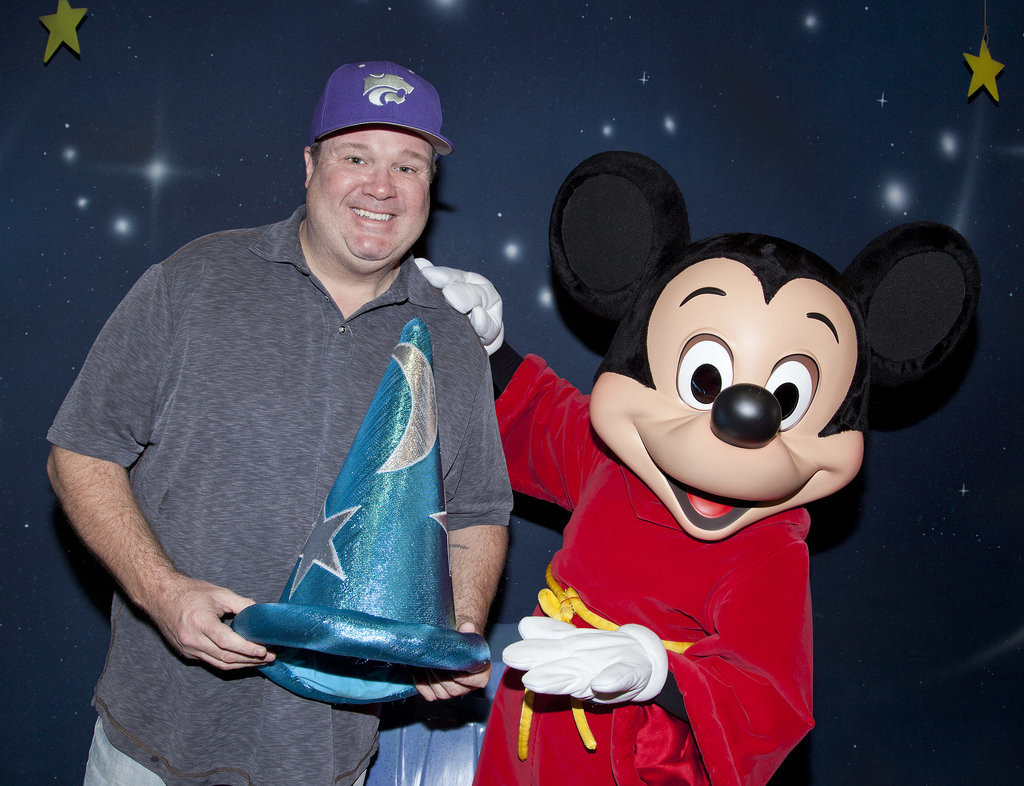 Eric-Stonestreet-got-hold-onto-Mickey-Mouse-Fantasia-hat-when-he
