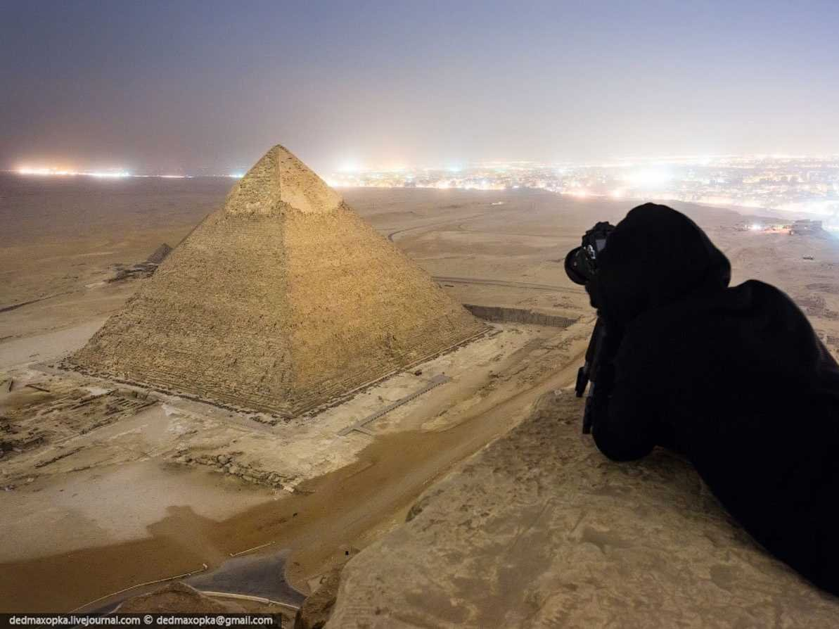the-russian-photographers-have-recently-gained-attention-for-capturing-these-illegal-photographs-of-the-great-pyramid-of-giza-in-egypt