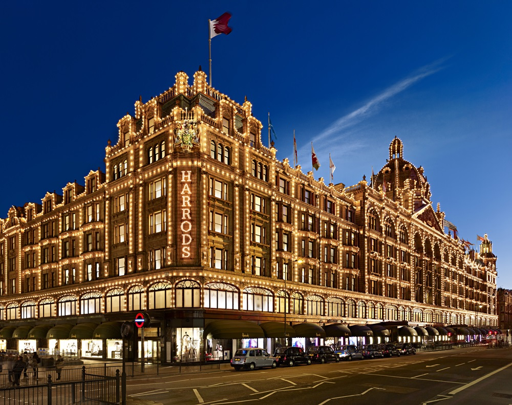 View of the flag of Qatar flying Over  Harrods department store in the heart of Knightsbridge, London, UK. Daily Features, Fashion, 23SEPTEMBER2013