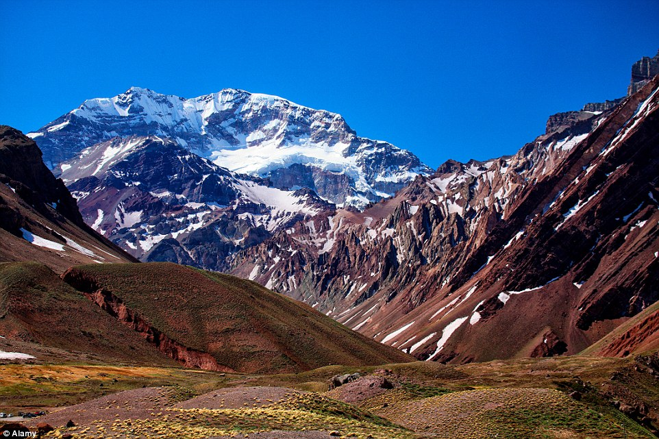2B4E58A500000578-3193862-Catch_a_glimpse_of_Aconcagua_the_highest_mountain_in_the_America-a-5_1439449182101