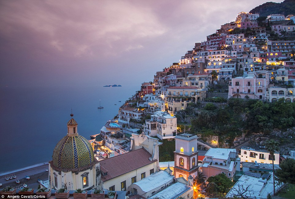 2B4E85E900000578-3193862-See_Positano_the_village_sprawled_on_a_hillside_overlooking_the_-a-24_1439451902666