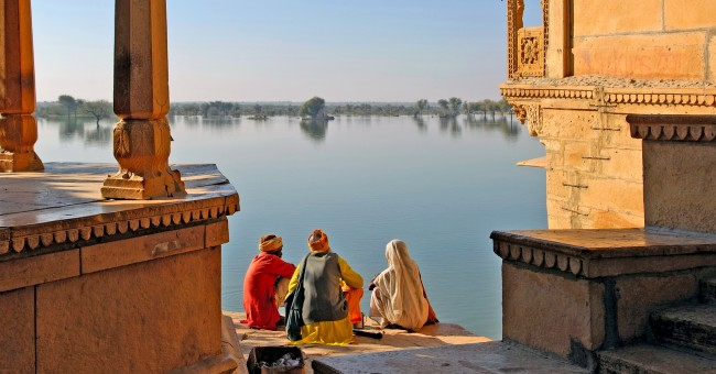 india_old_building_monument_colorful_lake_view