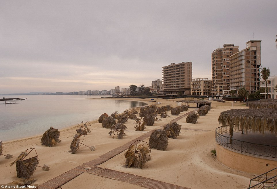2CB895C100000578-3247748-Varosha_was_abandoned_when_the_resort_was_invaded_by_Turkish_tro-a-10_1443510847757