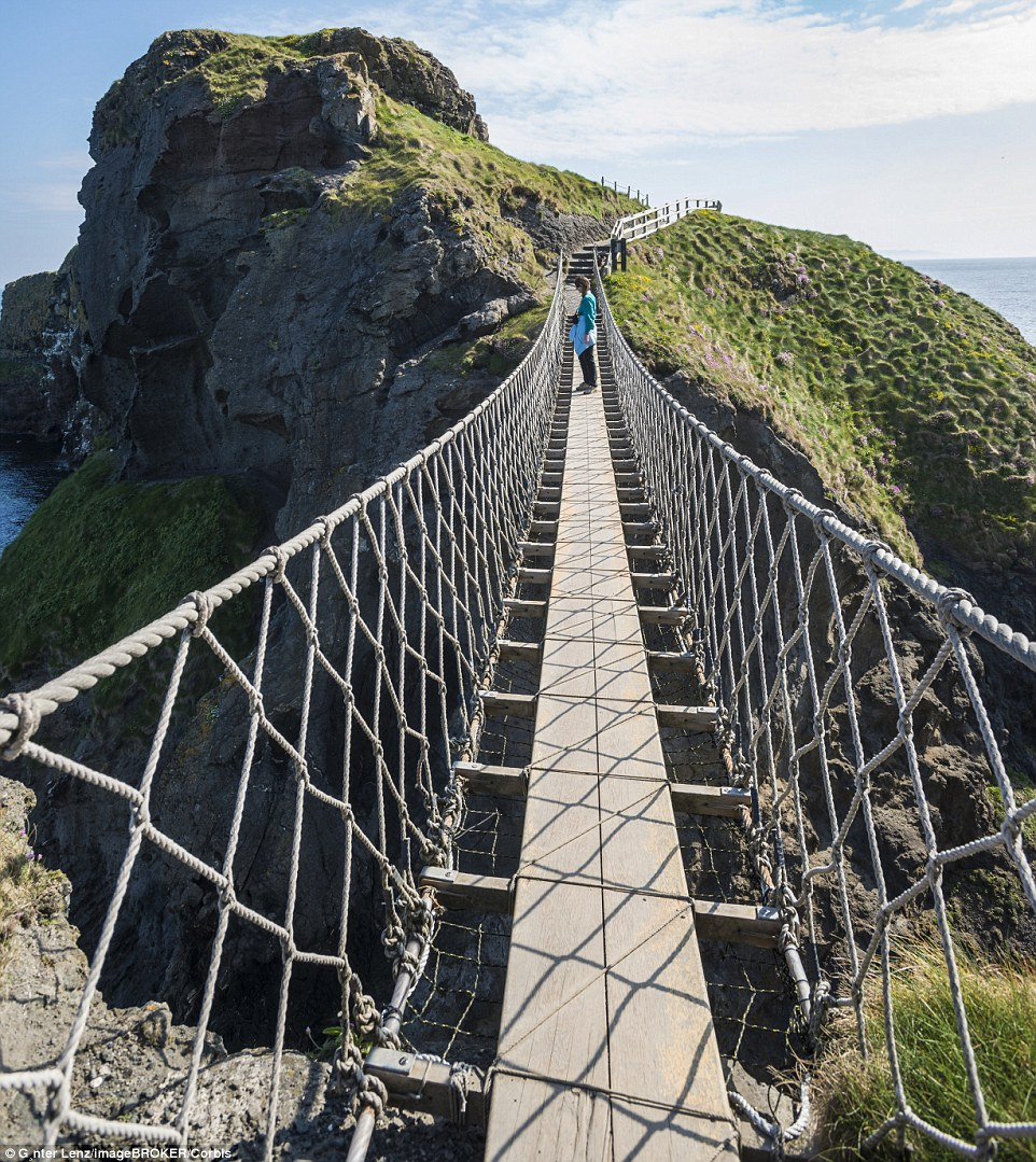 2D5FF8F500000578-3270916-Originally_the_Carrick_a_Rede_Rope_Bridge_in_Northern_Ireland_on-m-83_1444757867849
