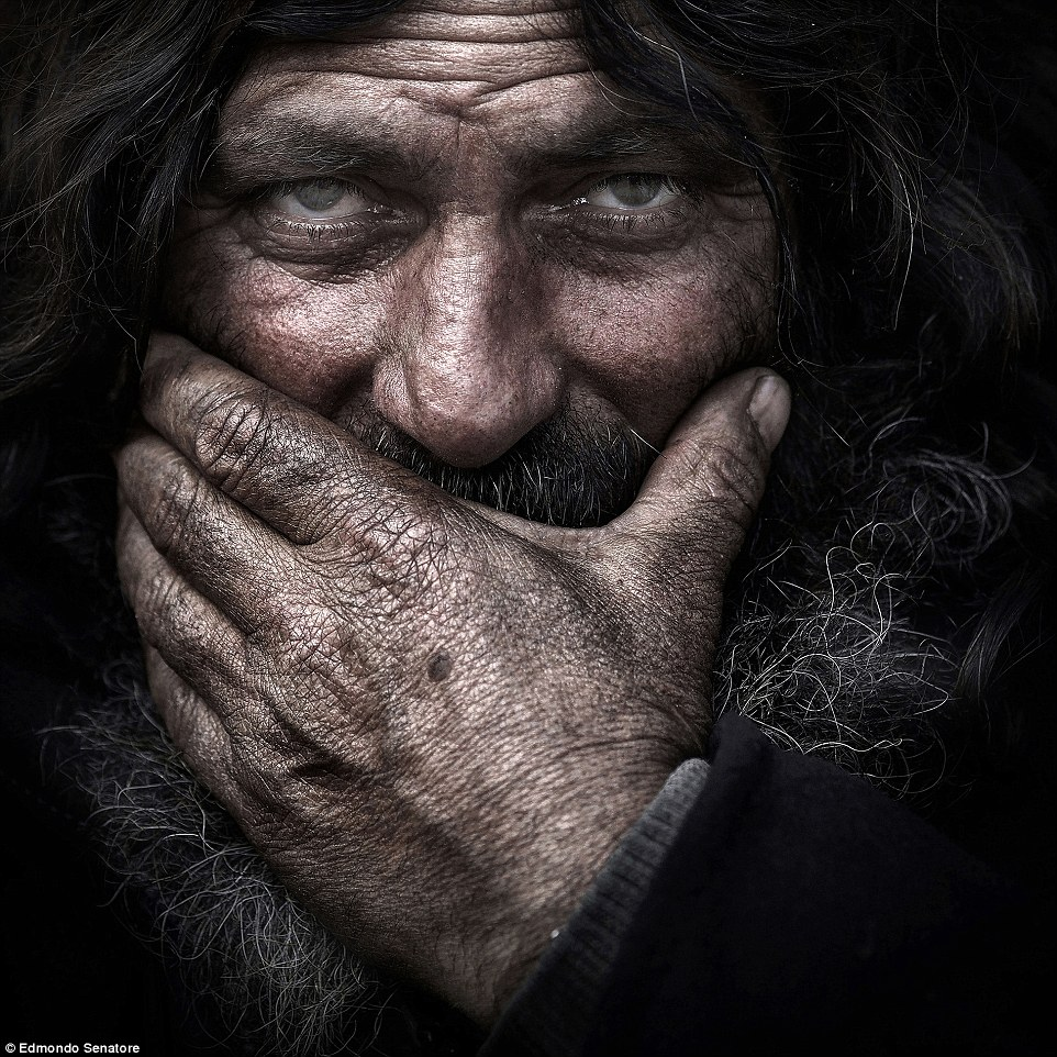 2E08AD8800000578-3300001-Open_colour_Honourable_mention_David_by_Edmondo_Senatore_This_is-a-82_1446459868475