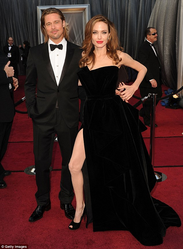 11EDBD0E000005DC-3437766-It_was_the_image_that_dominated_the_2012_Oscars_coverage_sparkin-a-63_1455293396423