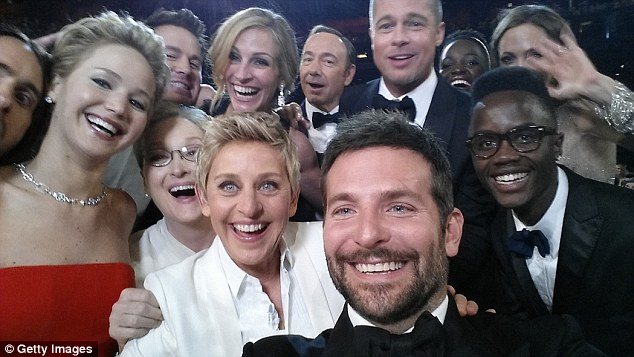 3101E34A00000578-3437766-The_2014_Oscars_became_the_setting_for_the_most_famous_selfie_in-a-79_1455293397782