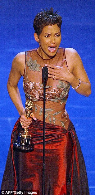3106EDF300000578-3437766-Halle_Berry_becomes_the_first_African_American_woman_to_win_Best-a-74_1455293396434