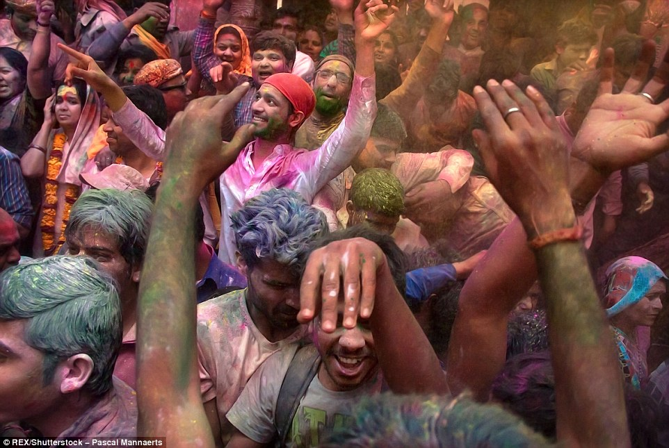 3171278200000578-3458257-Holi_reduces_momentarily_rigorous_social_standards_including_the-a-95_1456147905988