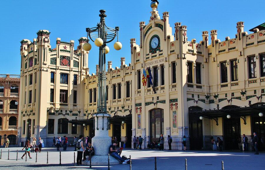 Photo-valencia-station-north-modernist-001